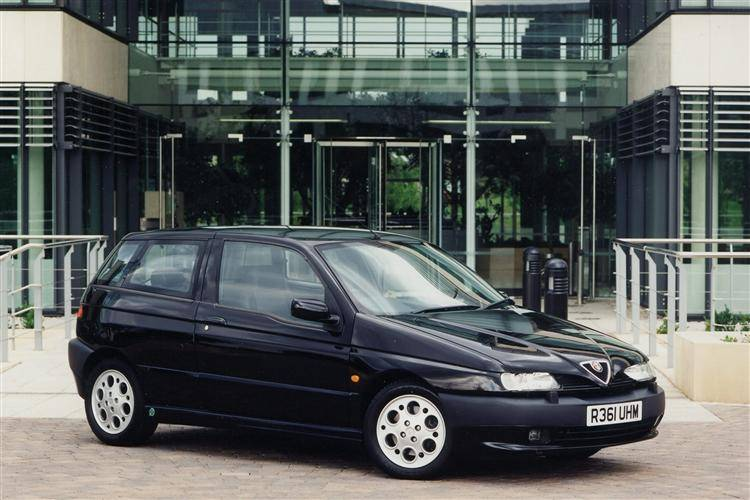 Alfa Romeo 145 (1994 - 2000) review