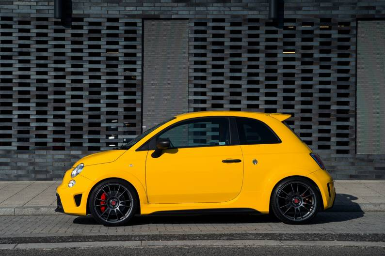 Abarth 500 review | Car review | RAC Drive