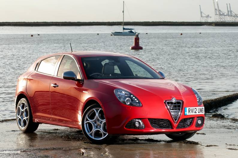 alfa romeo giulietta 2010 2014 used car review car review rac drive. Black Bedroom Furniture Sets. Home Design Ideas