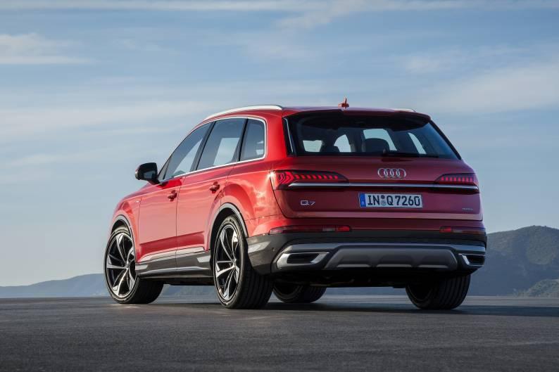 Audi Q7 review   Car review   RAC Drive