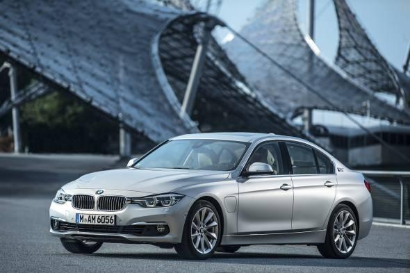 BMW 330e review