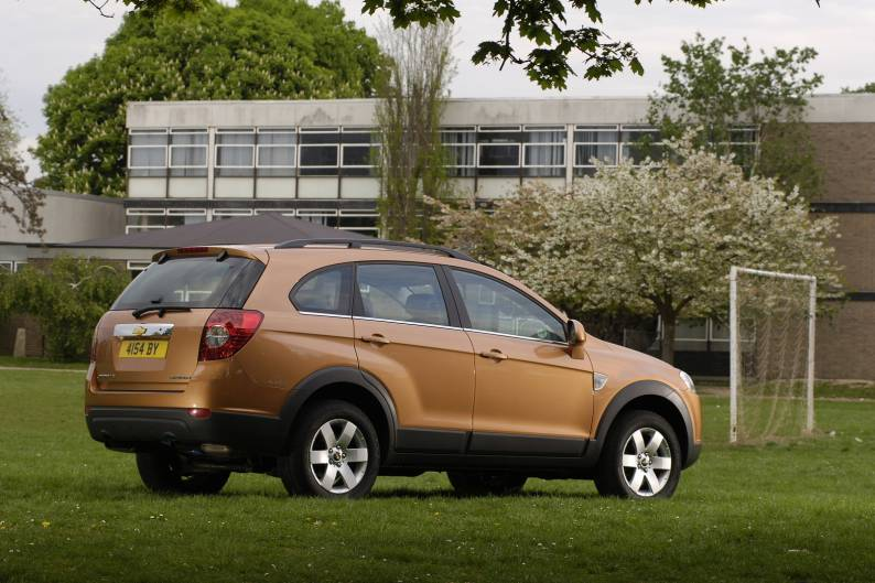 Chevrolet Captiva (2007-2011) used car review