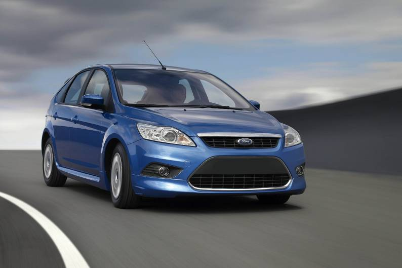 2010 ford focus hatchback review