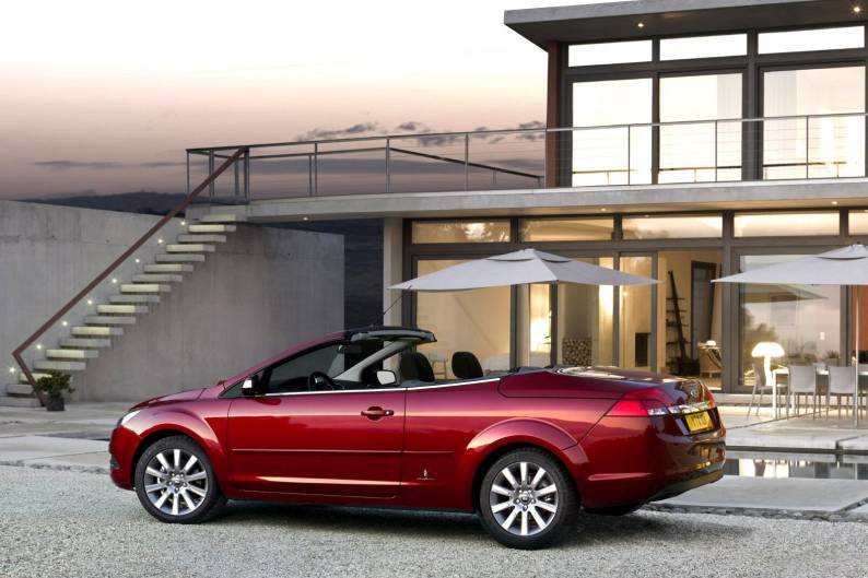 ford focus coupe-cabriolet (2006 - 2010) used car review | car