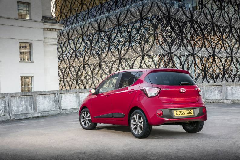 Hyundai i10 review | Car review | RAC Drive