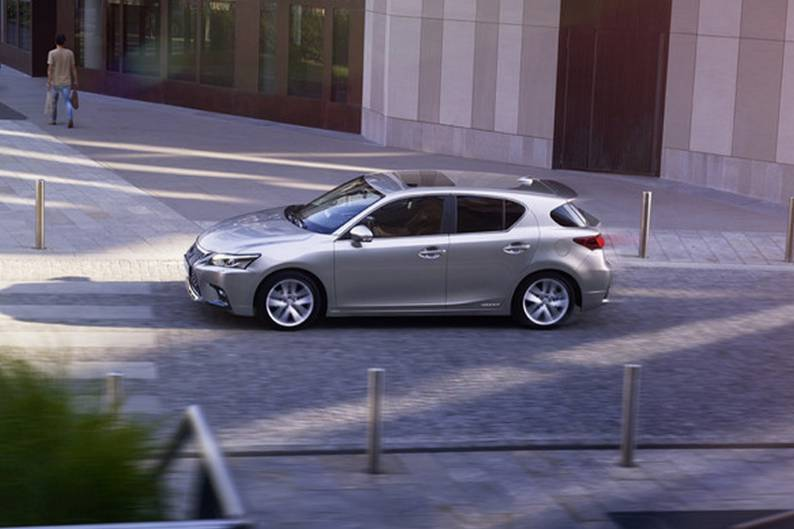 Lexus CT 200h Review ...
