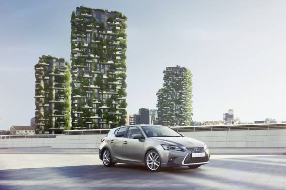 Lexus CT200h review