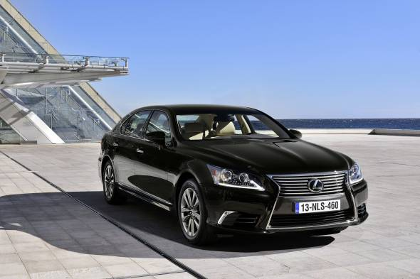Lexus LS 460 Luxury review
