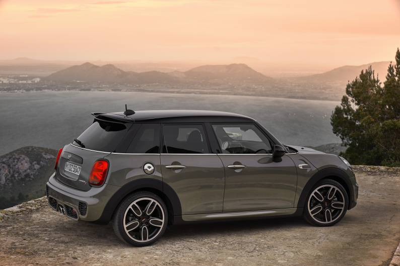 ... MINI 5 Door Hatch Cooper Review ...