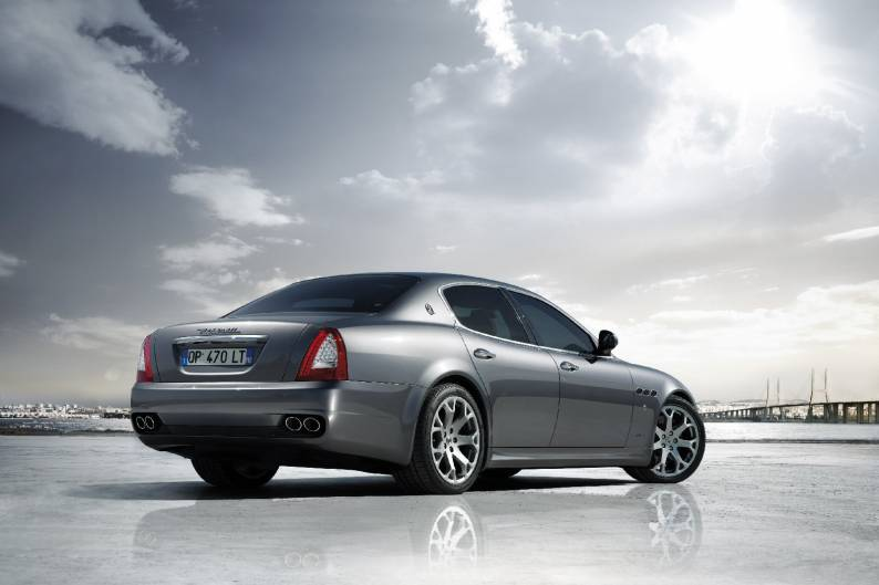 https://d1ix0byejyn2u7.cloudfront.net/drive/images/made/drive/images/remote/https_f2.caranddriving.com/images/new/large/MaseratiQuattroporte1008(2)_794_529_70.jpg