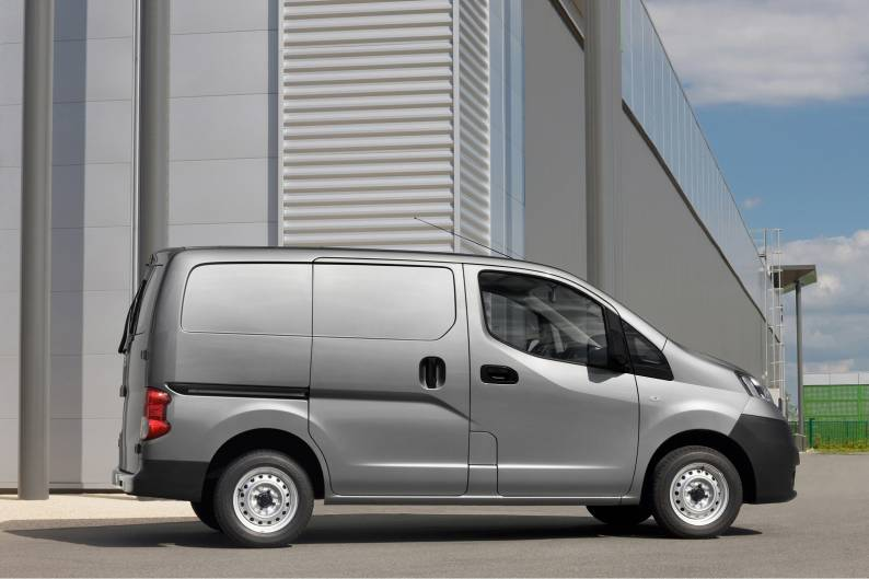 a6367886013fff ... Nissan NV200 review ...