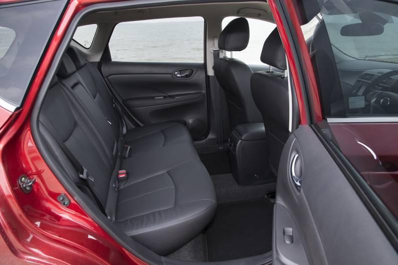 Nissan Pulsar 1 6 DIG-T 190PS review   Car review   RAC Drive
