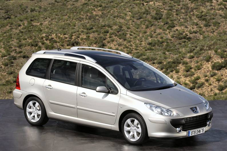 peugeot 307 sw 2002 2008 used car review car review. Black Bedroom Furniture Sets. Home Design Ideas