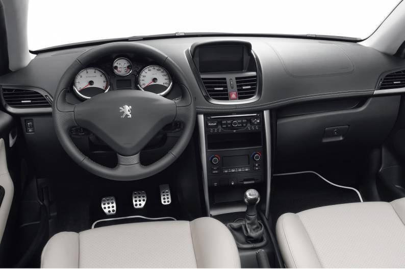 peugeot 207 cc 2007 2010 used car review car review rac drive. Black Bedroom Furniture Sets. Home Design Ideas