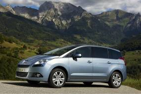 Peugeot 5008 1.2 PureTech review