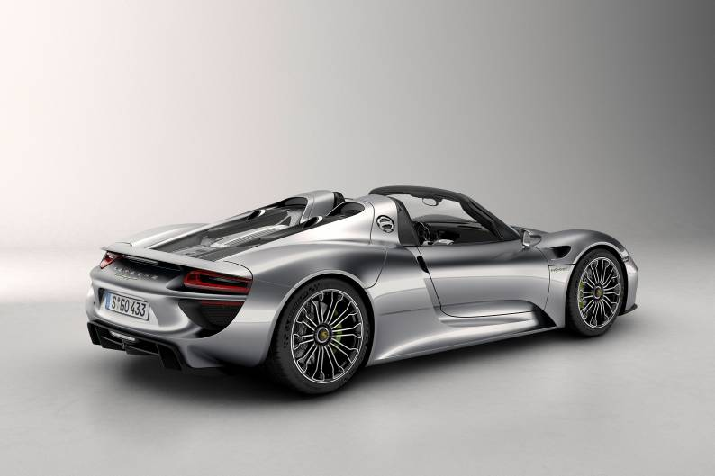 Porsche 918 Spyder review