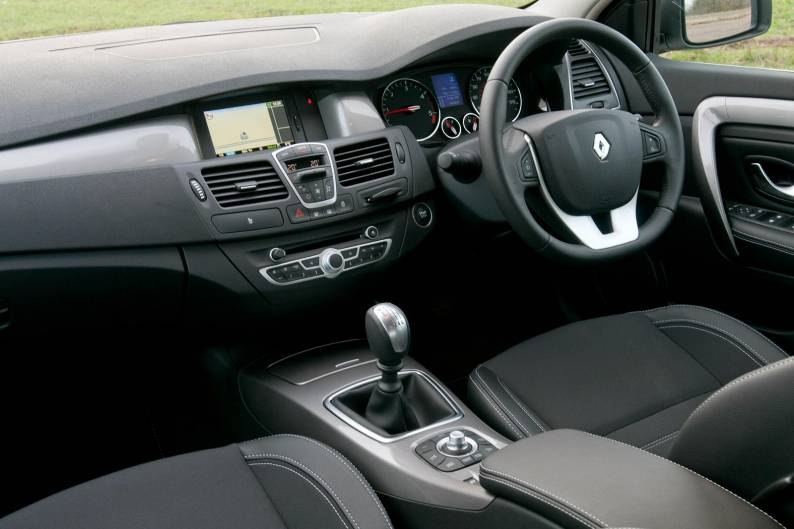 Renault Laguna III (2010 - 2012) used car review | Car review | RAC ...