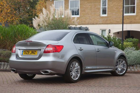 Suzuki Kizashi (2012 - 2014) used car review