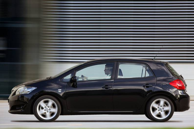 ... Toyota Auris (2007   2010) Used Car Review ...
