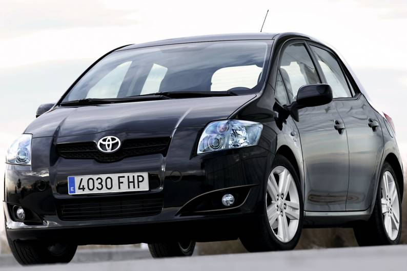Toyota Auris (2007 - 2010) used car review
