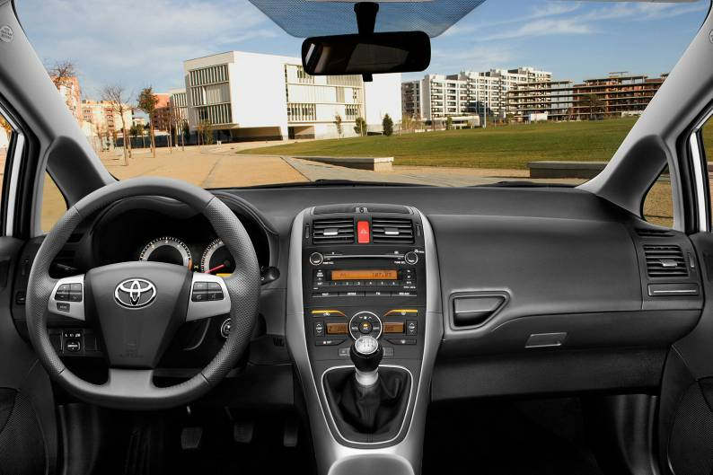 ... Toyota Auris (2007   2010) Used Car Review