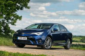 Toyota Avensis 1.8 V-matic review