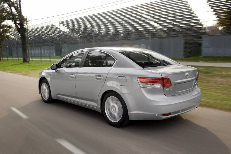 Toyota Avensis (2009 - 2011) used car review