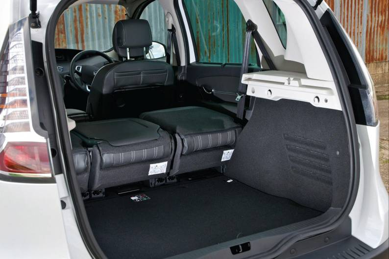 renault scenic 2013 2016 used car review car review. Black Bedroom Furniture Sets. Home Design Ideas