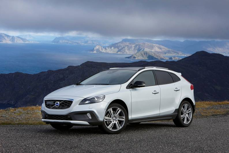 Volvo V40 Cross Country (2013 - 2016) used car review | Car review