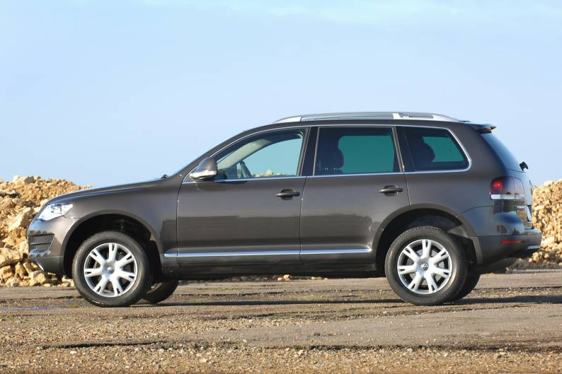 volkswagen touareg 2003 2010 used car review car. Black Bedroom Furniture Sets. Home Design Ideas