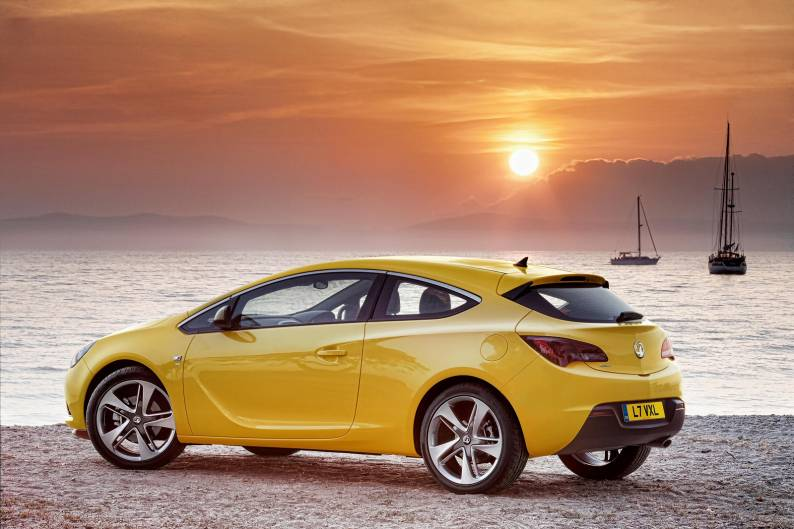 Vauxhall Astra GTC review  Car review  RAC Drive