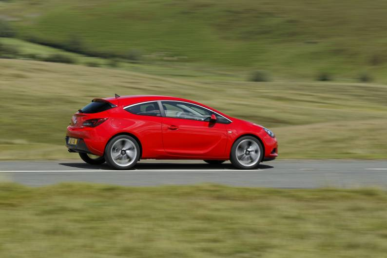 Vauxhall Astra GTC 16 Ecotec review  Car review  RAC Drive