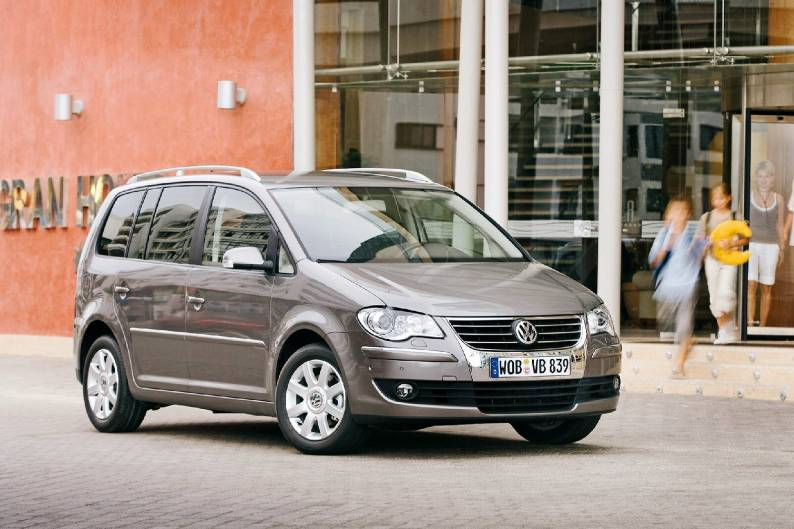 Volkswagen Touran (2003 - 2010) used car review