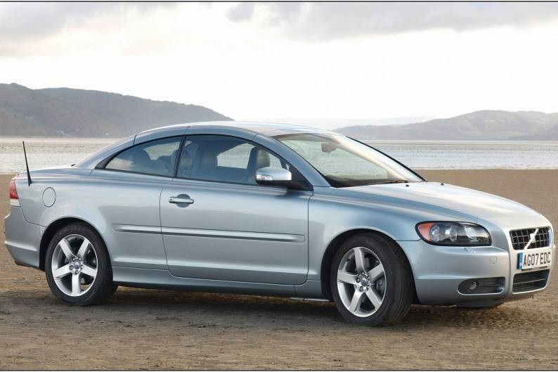 Volvo C70 (2006 - 2009) used car review | Car review | RAC Drive