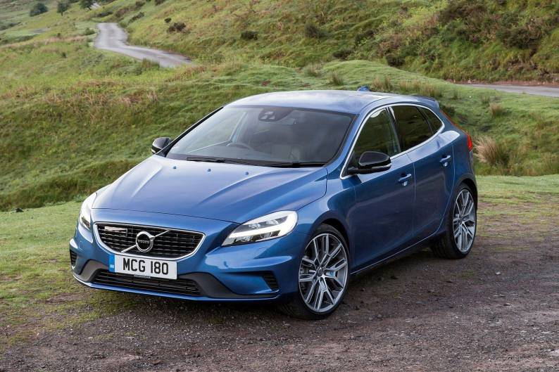 Volvo V40 review   Car review   RAC Drive