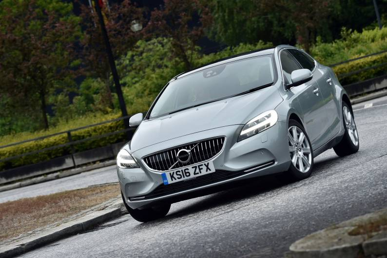 Volvo V40 D2 review | Car review | RAC Drive