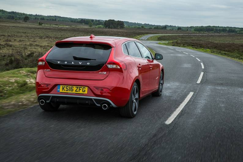 Volvo V40 D3 review | Car review | RAC Drive