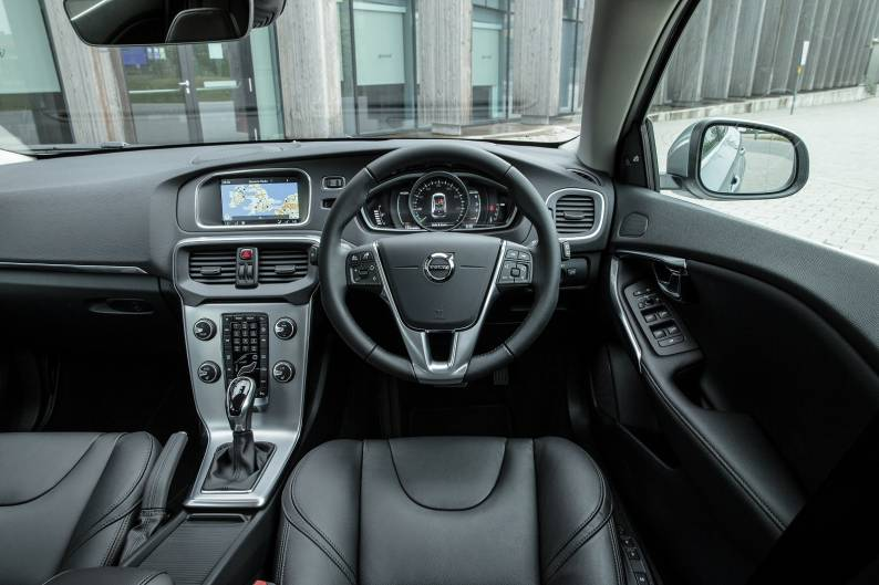Volvo V40 T3 review