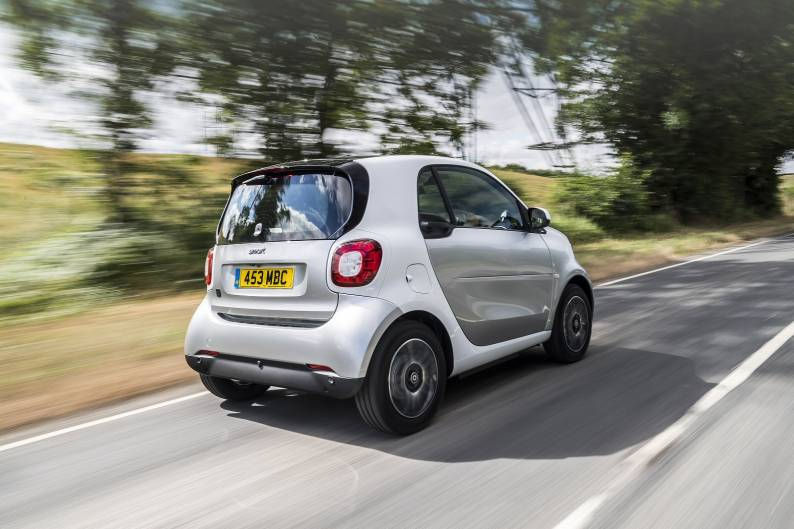 smart fortwo EQ review