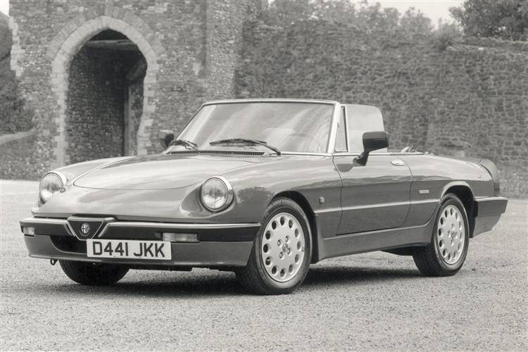 Alfa Romeo Spider Used Car Review Car Review RAC Drive - 1993 alfa romeo spider for sale