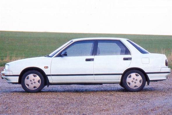 Daihatsu Applause (1990 - 1996) used car review