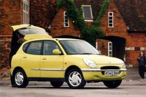 Daihatsu Sirion (1998 - 2005) used car review