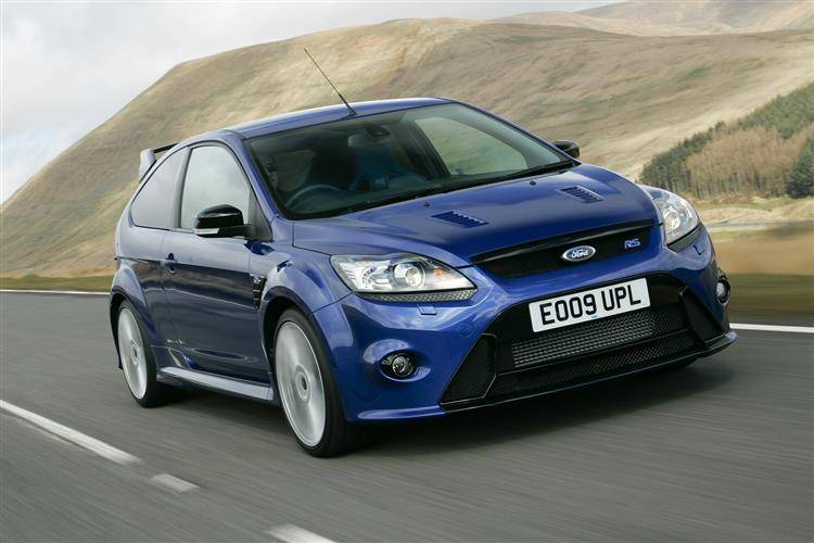 ford focus rs 2009 2011 used car review car review rac drive. Black Bedroom Furniture Sets. Home Design Ideas