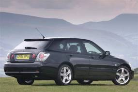 Lexus IS Sportcross (2001 - 2005) used car review