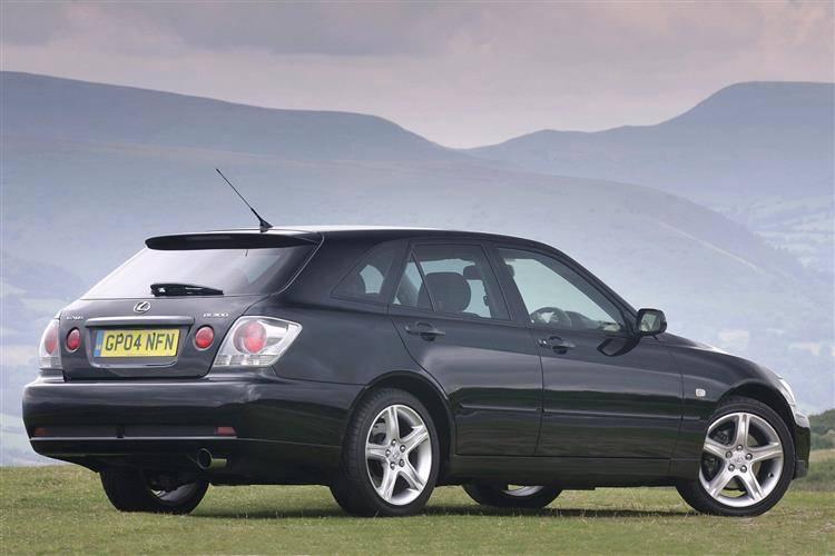 2004 lexus is300 mpg