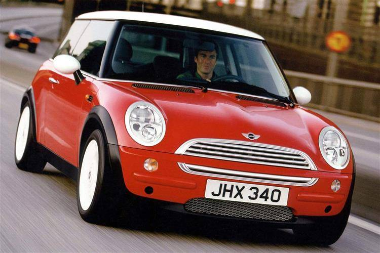 mini cooper r50 2001 2006 used car review car. Black Bedroom Furniture Sets. Home Design Ideas