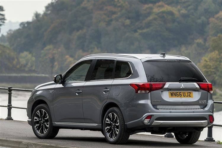 Mitsubishi Outlander PHEV (2015 - 2018) used car review | Car review