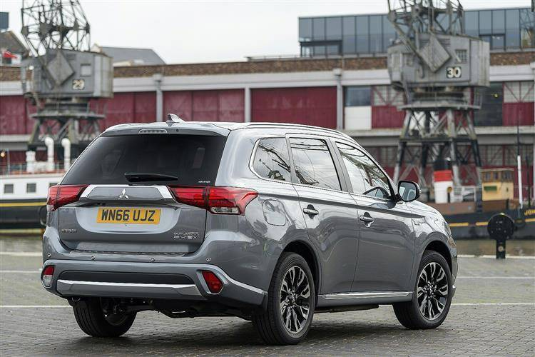 Mitsubishi Outlander PHEV (2015 - 2018) used car review | Car review