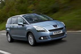 Peugeot 5008 (2010 - 2017) used car review