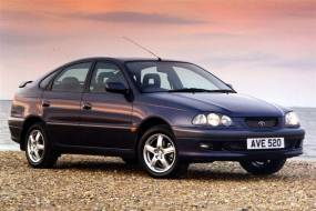 Toyota Avensis (1998 - 2003) used car review